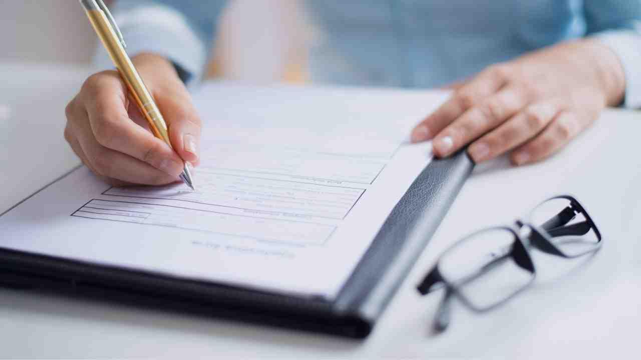 ¿Qué documentos necesito para vender mi casa? Documentación para la firma ante notario 2021